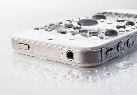Dejar caer el iPhone en el agua